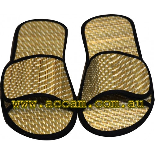 Adjustable Grass Mat Slippers